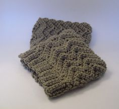 Simple Waves Boot Cuffs ~ free patterns