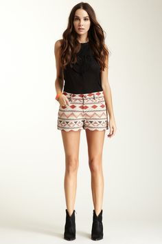really want a pair of scalloped shorts, and this print is a nice neutral alternative!