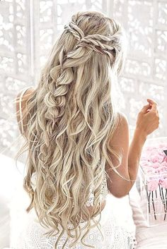 Prom hairstyles for long hair curly, braided prom hair, bridesmaid hair Pretty Braided Hairstyles, Box Braids Hairstyles, Long Hairstyles, Hairstyle Ideas, Easy Hairstyle, Beautiful Hairstyles, Teenage Hairstyles, Brunette Hairstyles, Style Hairstyle