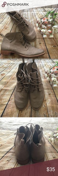 The putty boot Like new , beautiful taupe lace up ankle leather boot, this boots are light enough for the summer festivals.  worn once, they are super comfy. No imperfections./ size inside is stamped 9 us and a 40 eur/fits like a 10. Sam Edelman Shoes Lace Up Boots