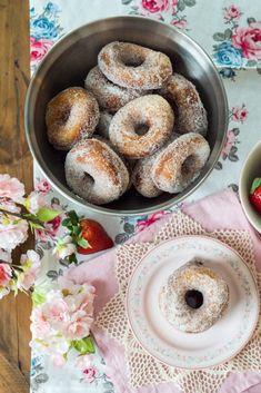 Sweet Bakery, Bagel, Doughnut, Sweet Recipes, Goodies, Food And Drink, Bread, Baking, Desserts