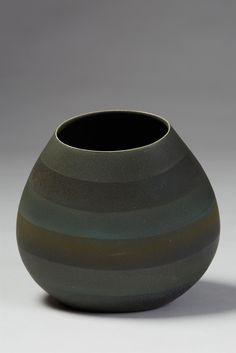 Vase designed by Bente Hansen, Denmark. Ceramic Pottery, Ceramic Art, Contemporary Ceramics, Nordic Design, Denmark, Euro, Glass Art, Porcelain, Enamel