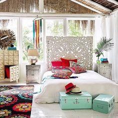 Couleurs & Fraîcheur dans cette chambre aux tons bohèmes et orientales... ❤️ #morocco#moroccan#oriental#dubai#design#decor#modern#interior#interiordesign#craft#traditional#bohemian#chic#cosy#house#home#room#linvingroom#white#colors#silver#metal#boho#style#bed#bedroom#nature#inspiration#instagood#instagram