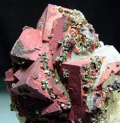 Fluorite with Hematite, Pyrite, and Goethite