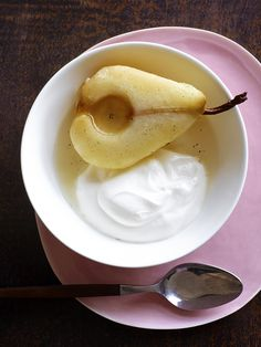 Vanilla Poached Pears #FNMag replace the whipped cream with yogurt and you have a healthy fast desert.