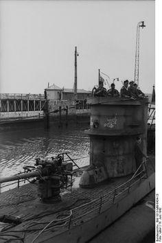 France. St Nazaire, U-Boot einlaufend