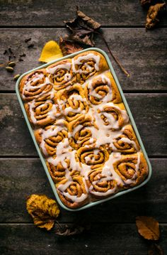 These vegan pumpkin cinnamon rolls are a perfect fall dessert, and just the thing for a weekend project as the weather starts to cool down. Total comfort food, made healthy(ish). Vegan Pumpkin, Healthy Pumpkin, Pumpkin Recipes, Fall Recipes, Pumpkin Spice, Sweet Recipes, Pumpkin Pasta, Pumpkin Soup, Pumpkin Bread