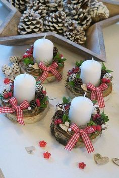 magical christmas centerpieces decor ideas that will make you feel the joy page 9 Diy Christmas Decorations Easy, Christmas Centerpieces, Christmas Projects, Diy Christmas Ornaments, Holiday Crafts, Christmas Wreaths, Christmas Ideas, Advent Wreaths, Christmas Gift Bags