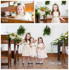 #Flowergirls #flowergirldresses #poseideas