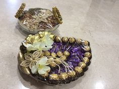 Vrishti Creations-Chocolates and Dry fruits packing 9669207565 , 9826116090 Engagement Gift Baskets, Engagement Brunch, Engagement Gifts, Dessert Bar Wedding, Wedding Plates, Wedding Gift Wrapping, Wedding Gifts, Wedding Ideas, Chocolate Flowers Bouquet