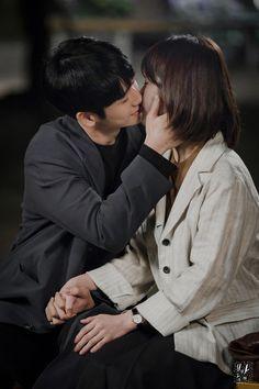 Dramas, Jung In, Asian Men, Korean Actors, Korean Drama, Jimin, Poses, Couple Photos, Love