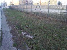 Bari quartiere San Paolo: intervento di pulizia del campo di calcio