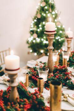 A festive holiday table setting!