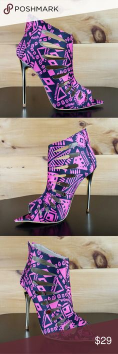 Red kiss summer dance size 6 Summer Dance By Red Kiss   Black/Pink Tribal Print Upper  Bootie Style With Cut Out Design   Open Toe With Pointy Design   cushioned foot-bed for extra comfort  Back zipper for easy on/off   4.5 inch heels and Single Sole  Us women size 6 red kiss Shoes Ankle Boots & Booties