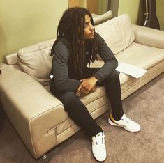 Skip Marley singer Bob Marley grandson Bob Marley Grandson, Dread Hairstyles, Cool Hairstyles, Skip Marley, Marley Family, Gorgeous Black Men, Tomboy Outfits, Hot Guys, Dreadlocks