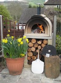WOOD BURNING OUTDOOR PIZZA OVEN-want