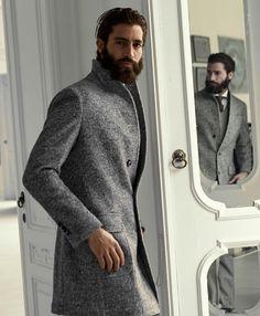 Luigi Bianchi Mantova F/W Nice coat. Mens Style Guide, Men Style Tips, Sharp Dressed Man, Well Dressed Men, Mode Man, Suit Up, Gentleman Style, Beard Styles, Mens Fashion