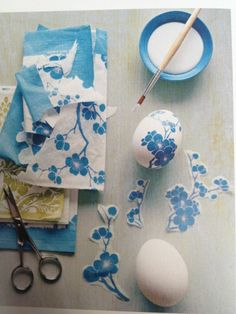 Napkin technique instructions - creative craft ideas for your free time - napkins decorating ideas paint easter eggs - Crafts To Do, Crafts For Kids, Fleur Design, Egg Art, Easter Holidays, Egg Decorating, Creative Crafts, Easter Crafts, Easter Eggs