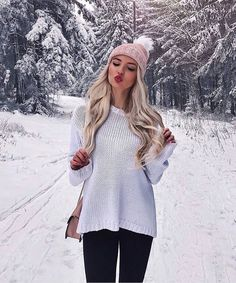 40 Pretty Teen Girl Outfits to Wear This Winter, Winter Outfits, Winter outfits. Photography Poses Women, Winter Photography, Fashion Photography, Photography Portraits, Editorial Photography, Photography Ideas, Winter Instagram, Winter Photos, Teen Girl Outfits