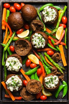 Spinach Dip in Mini Pumpernickel Bowls - Foxes Love Lemons Vegetarian Appetizers, Yummy Appetizers, Real Food Recipes, Cooking Recipes, Healthy Recipes, Knorr Spinach Dip, Dips, Veggie Delight, Bread Bowls