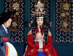 Korean drama [Dong Yi]   = 인현왕후 민씨 [Queen Inhyeon] - 박하선 (Park Ha-sun)
