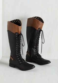 Sharp Skill Set Boot. A fierce songwriter, creative master chef, and in these two-toned Rocket Dog boots, a dashing fashionista - youve got it all! #black #modcloth