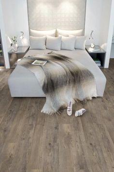 ... slaapkamer luxe uit. De PVC vloer met houtmotief is nauwelijks van een