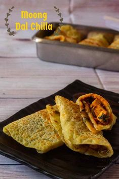 Moong Dal Cheela with stuffed Paneer recipe Lunch Box Recipes, Snacks Recipes, Cooking Recipes, Indian Breakfast, Best Breakfast, Moong Dal Chilla, Healthy Breakfast Choices, Tiffin Recipe, Paneer Recipes