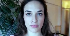 A woman took a picture of herself everyday for a whole year. Take  a look into her daily life.