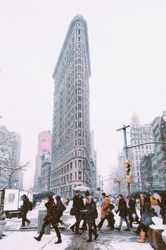 Flatiron in a rush by somethingaboutusny #nyc