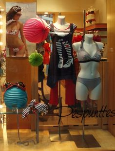 Escaparate realizado en Pespunttes moda íntima con las colecciones de la moda baño de Antigel de Lise Charmel. www.pespunttesmodaintima.es