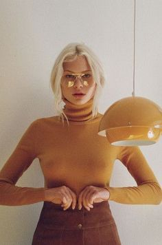 Inspired by retro style | Ribbed turtleneck with high waist