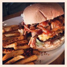 Chuck Norris burger at Atomic Burger in Britsol - Pulled pork, BBQ sauce & cheese