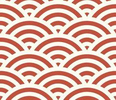 Seigaiha – Die Welle, Dieses Wellenmuster kam aus dem Sassanidenreich in Persien über China nach Japan. Es ist immer noch sehr beliebt: Man findet es auf Porzellan, Textilien, Verpackungen und vielem mehr. Tapete Seigaiha red Kinds Of Colors, Colours, Textures Patterns, Print Patterns, Japan Fashion, Pattern Wallpaper, Art Deco, Design Inspiration, Japan Style