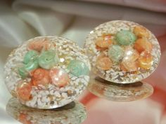 Super Pretty Neat Vintage 1950 Confetti Sea Shell Lucite Earrings    1315my