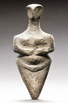 Goddess pottery statuette, Steatopygous İdol - from Neolithic Age in Europe, circa 5.000 BC