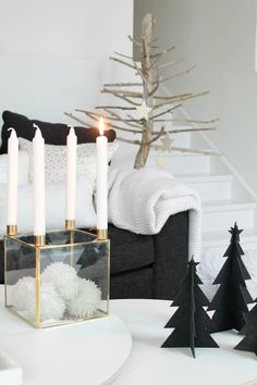 Its a black Christmas 2015! read about the new black Christmas trend and decor…