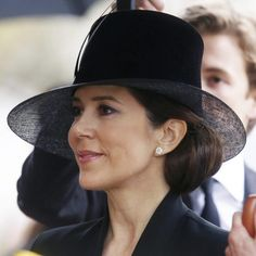 Mary de Dinamarca acude al funeral del Príncipe alemán Richard zu Sayn-Wittgenstein Berleburg para darle el último adiós.