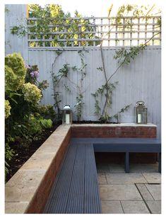 Small Garden Fence, Unique Garden, Small Garden Design, Garden Fences, Garden Fence Paint, Fence Planters, Garden Ideas For Small Spaces, Fence Stain, Fence Art
