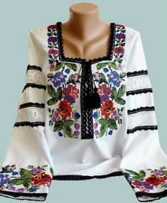 Polish Embroidery, Folk Embroidery, Embroidery Patterns, Folk Fashion, Womens Fashion, Embroidered Tunic, Fashion Details, Cool Outfits, Tunic Tops