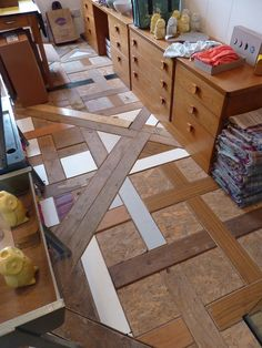 Love this...what all could you incorporate into a wood floor like this?