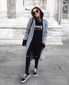 For really trippy cold days wear a hoodie under a blazer! - For really trippy cold days wear a hoodie under a blazer! einen For Hoodie Hosenb - Indie Outfits, Outfits For Teens, Cute Outfits, Fashion Outfits, Vans Fashion, Womens Fashion, Fashion Trends, Street Fashion, Fashion Guide