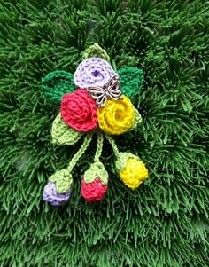 Crochet Flowers, Crochet Earrings, Christmas Ornaments, Holiday Decor, Home Decor, Xmas Ornaments, Homemade Home Decor, Christmas Jewelry, Christmas Baubles