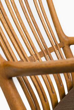 Hans Wegner ML-33 rocking chair in oak at Studio Schalling