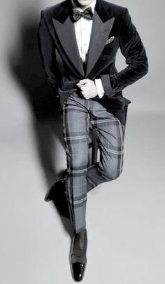 Velvet smoking jacket, plaid pants, bow tie Variation on a tux! New Years Eve wedding. Style Gentleman, Der Gentleman, Mode Masculine, Sharp Dressed Man, Well Dressed Men, Tom Ford Tuxedo, Velvet Smoking Jacket, Look Fashion, Mens Fashion