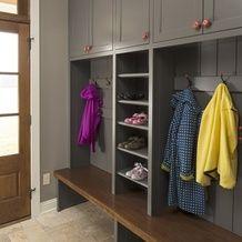 Фотография: Прихожая в стиле Современный, Интерьер комнат, хранение обуви, организация места, мебель в прихожей, смена сезона – фото на InMyRoom.ru