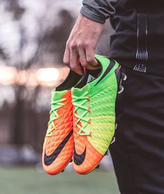 Bringing top tier technology to every level. The low cut #Hypervenom Phantom 3 from @nikefootball. Hit this image at the link in the bio to see how it compares on-field to the high top version. -- #soccerdotcom #nike #nikefootball #hypervenom3 #training #strikeseries