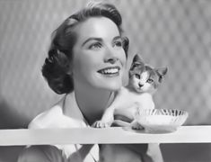 Celebrities with Cats: Grace Kelly Grace Kelly, Cool Cats, I Love Cats, Crazy Cat Lady, Crazy Cats, Celebrities With Cats, Celebs, Gatos Cool, Animal Gato