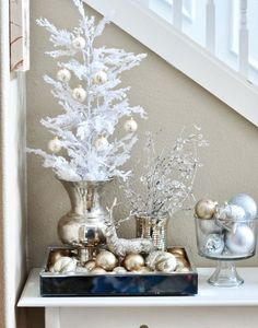 Gold And White Christmas Décor Ideas 4