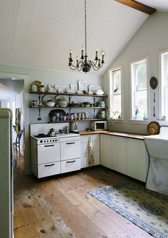 Kitchen Interior Design Remodeling ~ How to Design An Unfitted Kitchen ~ Rustic Kitchen, Kitchen Dining, Kitchen Ideas, Eclectic Kitchen, French Kitchen, Open Kitchen, 50s Kitchen, Loft Kitchen, Kitchen Corner